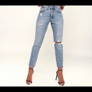***NWT*** 501 SKINNY DISTRESSED LIGHT WASH JEANS